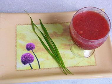 Wheatgrass-and-watermelon-juice